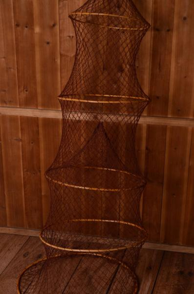 Accordion fishing net