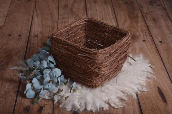 Square rustic nest with branches 28 cm