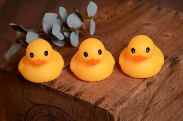 Pack of three rubber ducks 11 cm