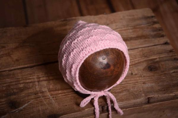Pink wool bonnet