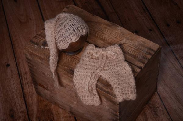 Beige mohair pants and long-hat set