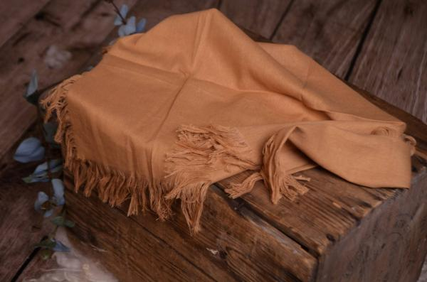 Sand-brown fringed little fabric
