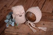 Beige owl and hat set