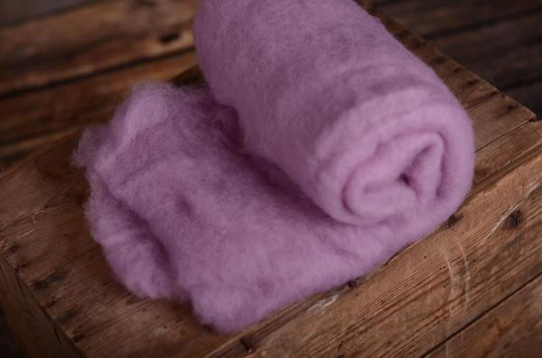 Light lilac natural wool blanket
