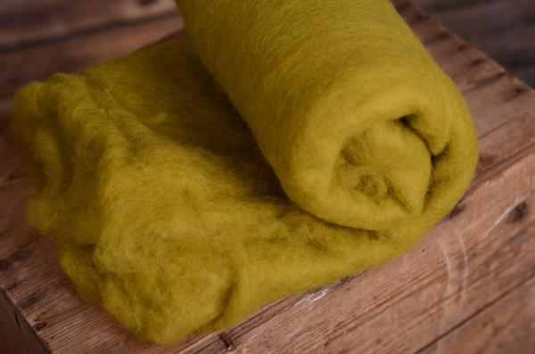 Green natural wool blanket