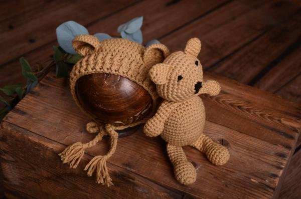 Light brown teddy bear and hat set