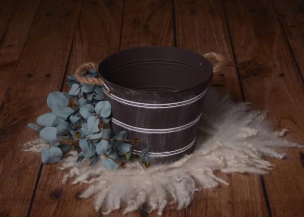 Dark brown metallic bucket with handles 26 cm