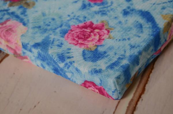 Mattress with blue flowers cover