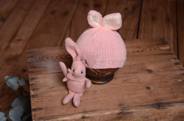 Pink bunny-ear hat and toy set