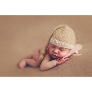 Beige mohair hat with knot
