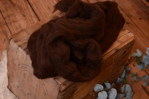 Brown natural combed wool