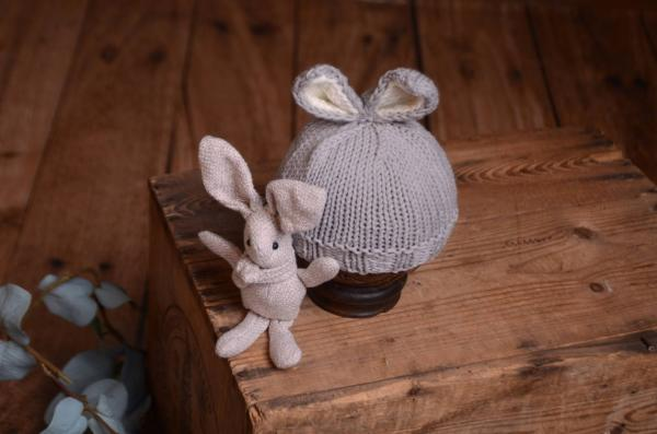Light grey bunny-ear hat and toy set